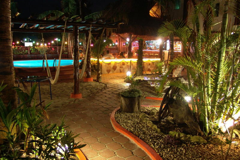 Book cocos cabanas at discounted prices for Cabanas en mexico